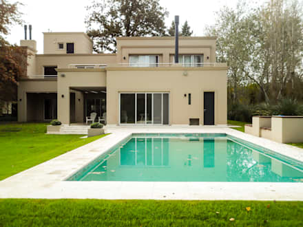 classic Pool by Carbone Fernandez Arquitectos