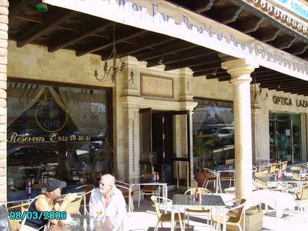 FAÇADE: Locales gastronómicos de estilo  de diseño y construcción acima,s.l.