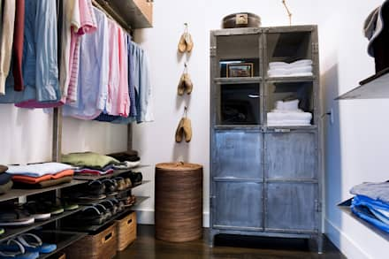 Casa em Sonoma, California: Closets ecléticos por Antonio Martins Interior Design Inc