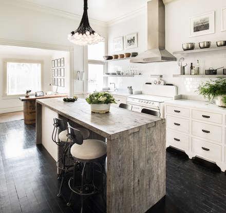 Casa em Sao Francisco - Potrero Hill: Cozinhas ecléticas por Antonio Martins Interior Design Inc