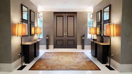 Private Villa, Surrey:  Corridor & hallway by Keir Townsend Ltd.