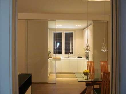 Una Stanza in più: Cucina in stile in stile Moderno di Architetto Alberto Colella