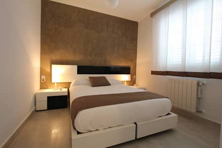 Ribaroja: Dormitorios de estilo moderno de MOBIMAR INTERIORISMO