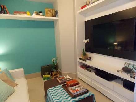 Salas multimedias de estilo  por Duplex Interiores