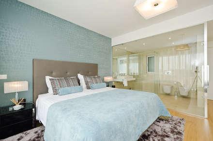 Private Interior Design Project - Albufeira: Quartos modernos por Simple Taste Interiors