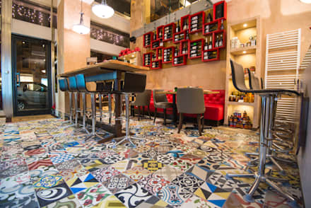E.Vent: Bar & Club in stile  di Mosaic del Sur