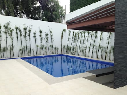 สระว่ายน้ำ by CESAR MONCADA S
