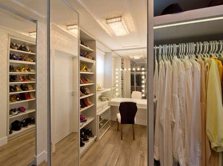غرفة الملابس تنفيذ Espaço do Traço arquitetura
