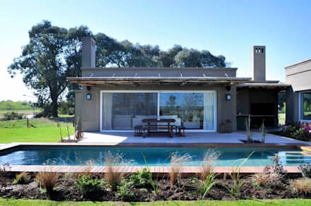สระว่ายน้ำ by Aulet & Yaregui Arquitectos