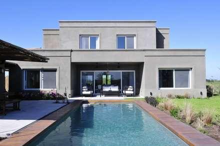 modern Pool by Aulet & Yaregui Arquitectos