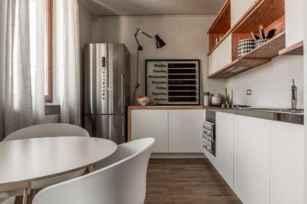 Appartamento Residenziale - Brianza 2014: Cucina in stile in stile Scandinavo di Galleria del Vento