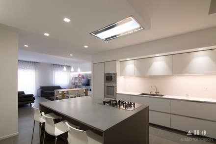Nhà bếp by ALESSIO TOSTI DESIGN