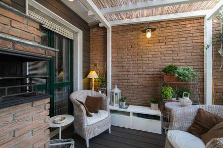 Appartamento modern country: Terrazza in stile  di Fabio Carria