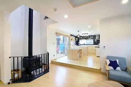 회현리 주택: 풍경하임의  거실