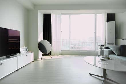 압구정 한양아파트: 샐러드보울 디자인 스튜디오의  드레스 룸