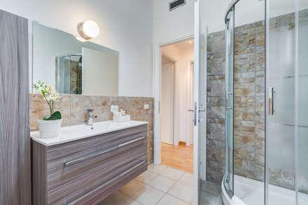 Appartamento Laurentina - Roma: Bagno in stile in stile Moderno di Luca Tranquilli - Fotografo