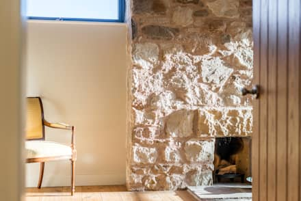 Solid House, North Berwick: rustic Bedroom by Chris Humphreys Photography Ltd