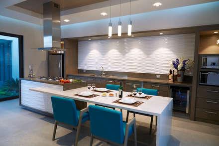 cocina: Cocinas de estilo minimalista por arketipo-taller de arquitectura