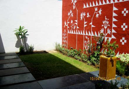 Jardins asiáticos por ar.dhananjay pund architects & designers