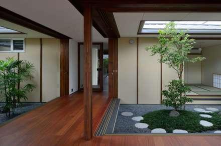 Corridor & hallway by 澤村昌彦建築設計事務所