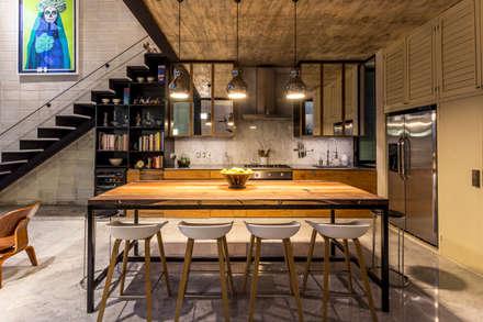 Cocina: Cocinas de estilo ecléctico por Taller Estilo Arquitectura
