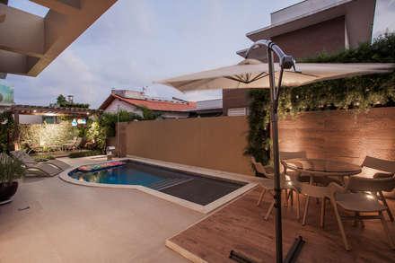 Projeto: Piscinas modernas por Heloisa Titan Arquitetura