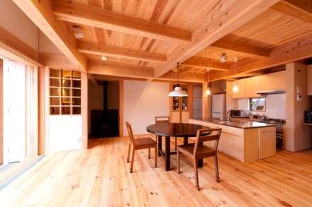 غرفة السفرة تنفيذ AMI ENVIRONMENT DESIGN/アミ環境デザイン