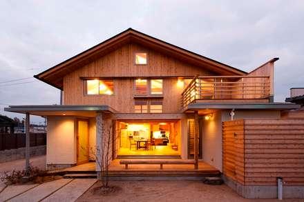 Casas de estilo  por AMI ENVIRONMENT DESIGN/アミ環境デザイン
