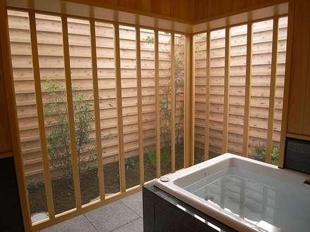 そ~ら~の家: AMI ENVIRONMENT DESIGN/アミ環境デザインが手掛けたお風呂です。