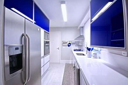 Apartamento Santana: Cozinhas modernas por Veridiana França Arquitetura de Interiores