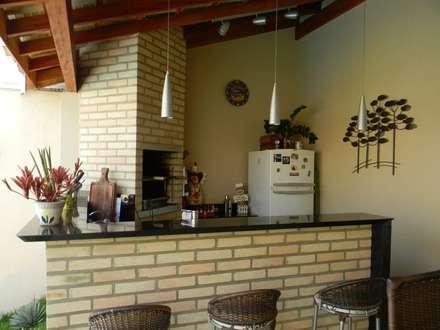 Terrazas de estilo  por THACO. Arquitetura e Ambientes