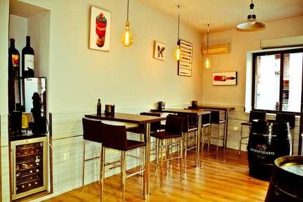 Proyecto de Apertura 19&Punto Gastrobar: Bodegas de estilo minimalista de NACHO NAVARRO | ARQUITECTURA