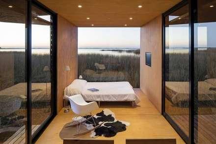 MINIMOD: Dormitorios de estilo rural por AR-SUS