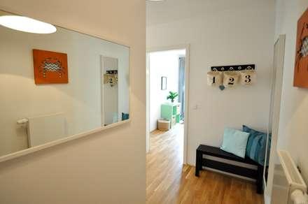 Kleine Musterwohnung In Türkis/orange: Flur U0026 Diele Von Karin Armbrust    Home Staging