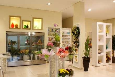 Commercial Spaces by Penha Alba Arquitetura e Interiores