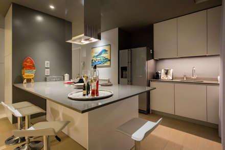 2BE OPEN-SPACE: Cucina in stile in stile Moderno di davide pavanello _ spazi forme segni visioni