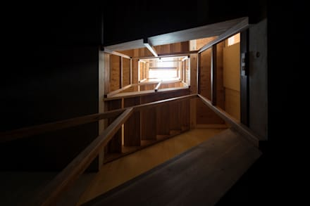 Stairs: modern Corridor, hallway & stairs by Kentaro Maeda Architects