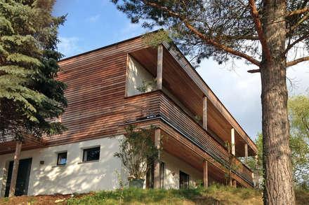 Einfamilienhaus am Hang: moderne Häuser von Architekt Stefan Toifl