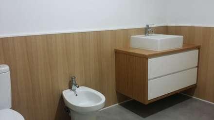 Casas de banho tropicais por Tatiana Doria,   Diseño de interiores