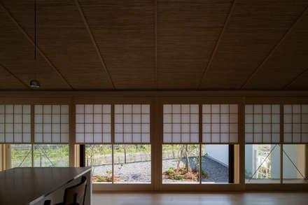 หน้าต่าง by TRANSTYLE architects