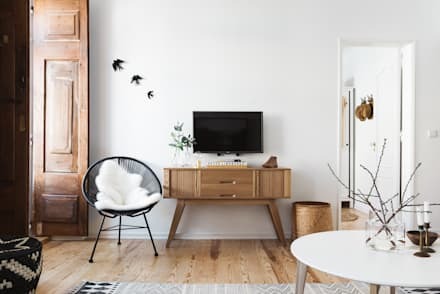 Remodelação de apartamento: Salas de estar modernas por Architect Your Home
