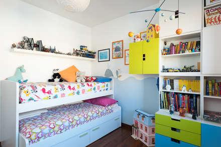 Zero6studio EUR: Stanza dei bambini in stile in stile Moderno di Paolo Fusco Photo