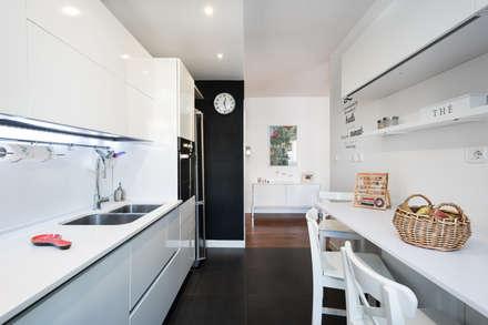 Zero6studio EUR: Cucina in stile in stile Mediterraneo di Paolo Fusco Photo
