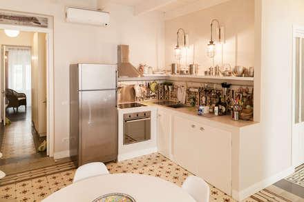 Casa S+S: Cucina in stile in stile Mediterraneo di Stefano Ferrando