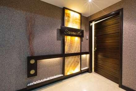 SARNAIK'S:  Corridor & hallway by Studio Vibes