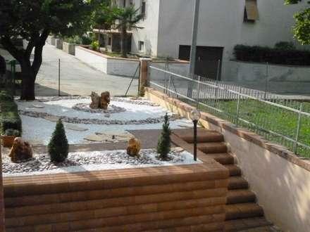 Nippon: Giardino in stile in stile Minimalista di Studio Botanico Ventrone Dr. Fulvio