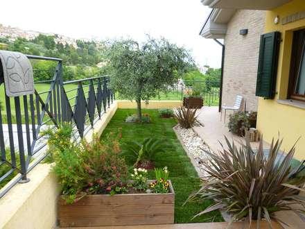 สวน by Studio Botanico Ventrone Dr. Fulvio