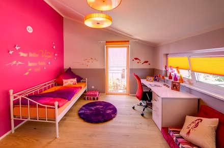 Musterhaus Mannheim 159: moderne Schlafzimmer von Licht-Design Skapetze GmbH & Co. KG
