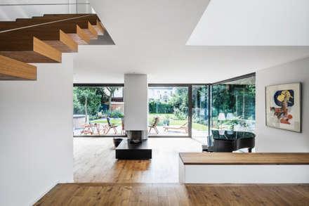 AuBergewohnlich Wohnhaus Köln Junkersdorf: Moderne Wohnzimmer Von Corneille Uedingslohmann  Architekten