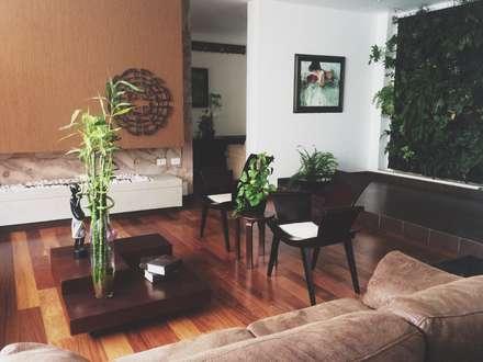 APARTAMENTO 67: Salas de estilo ecléctico por santiago dussan architecture & Interior design